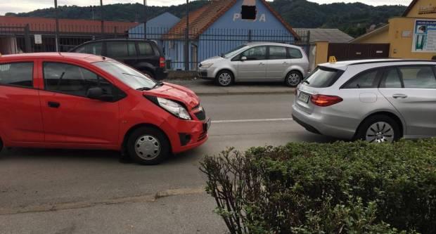 U jučerašnje dvije prometne, dvojica lakše ozlijeđena