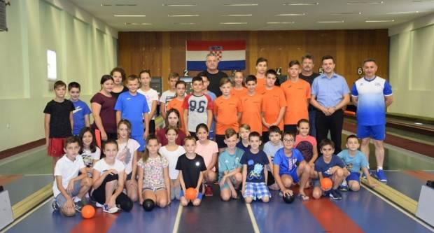 U Požegi s radom započela druga Škola kuglanja za osnovnoškolce