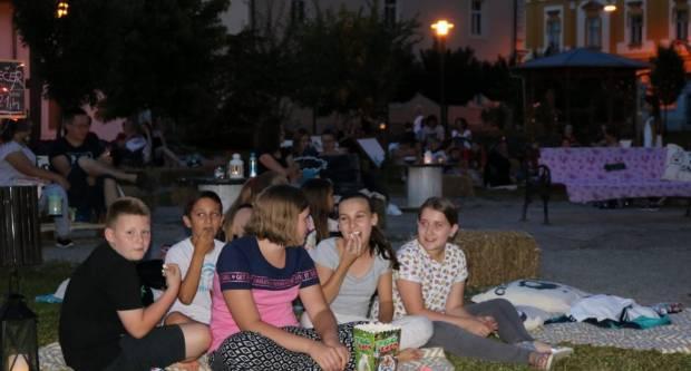 Kino pod zvijezdama Pakrac: Za prvu projekciju tražila se karta više