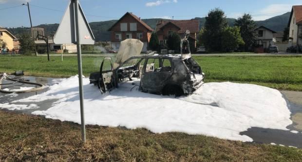 Brzom intervencijom DVD-a Kaptol ugašen požar osobnog automobila