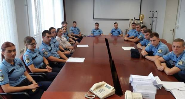 Mlade policijske snage u Policijskoj upravi brodsko-posavskoj