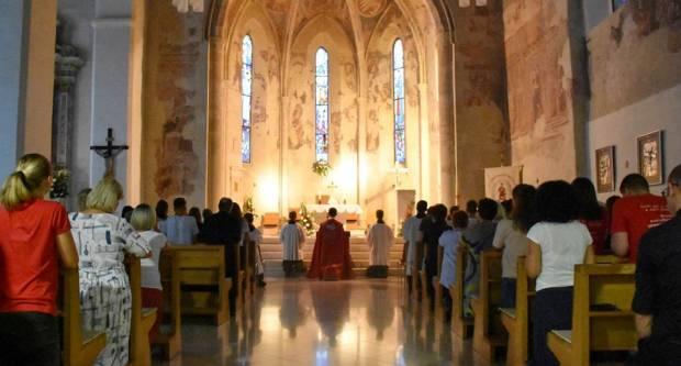 Molitveno bdijenje u požeškoj crkvi sv. Lovre