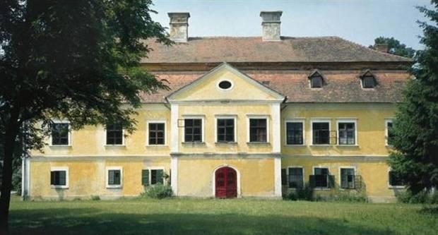 Kutjevo d.d. prodaje trenkovački dvorac, postoje drugi interesanti osim Županije!?