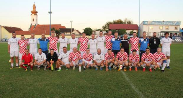 Prijateljska utakmica Svećenička nogometna reprezentacija - NK Kuzmica veterani