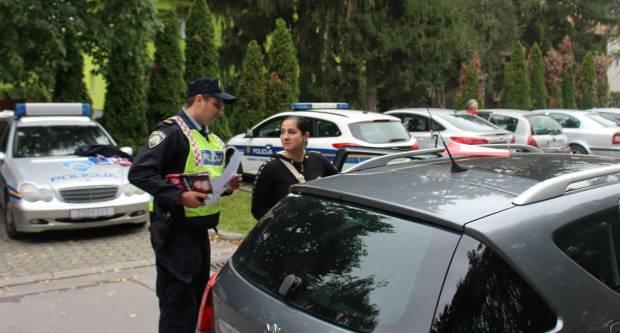 Roditelji, vozači oprez !! Policija danas kontrolira pravilno korištenje autosjedalice