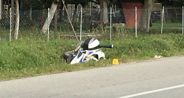 Policajac službenim motociklom sletio s kolnika u putni kanal u Kutjevu