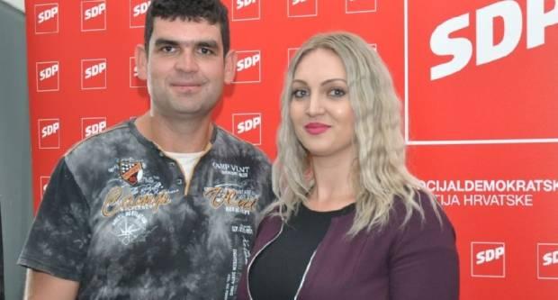 Održana večer poezije, kratkih priča, i stand up komedije u organizaciji predsjednice ŽO SDP-a Marine Opačak Bilić
