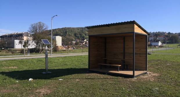 U pakračkoj sportskoj zoni: Postavljena biciklistička kućica za odmor