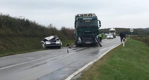 Poginula osoba u prometnoj nesreći kod Bekteža nedaleko od Kutjeva