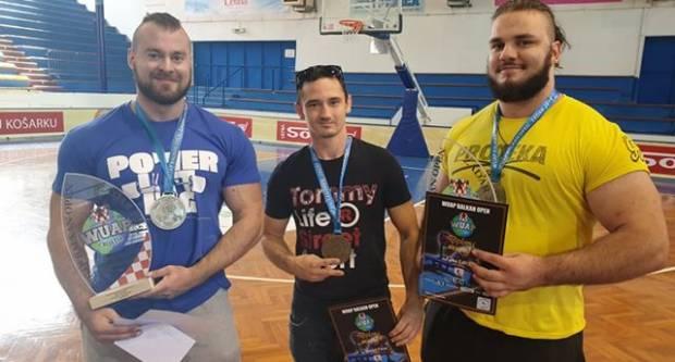 Danijel Parac osvojio 1. mjesto na Balkanskom prvenstvu u bench pressu i deadliftu