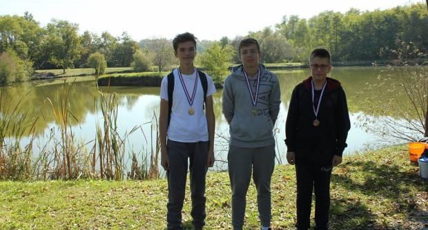 Učenici Katoličke škole na natjecanju u pecanju: Ante Barišić pobjednik s 1,8 kg ulovljene ribe