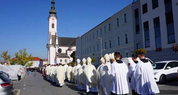 Svečana proslava blgadana sv. Terezije u požeškoj katedrali