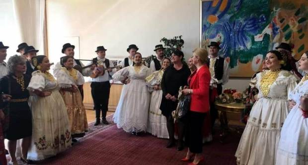 Kud Tomislav iz Sibinja posjetio Predsjednicu RH