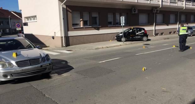 PROMETNA NESREĆA U POŽEGI: Jednu osobu odvezla Hitna, auto završio na nogostupu