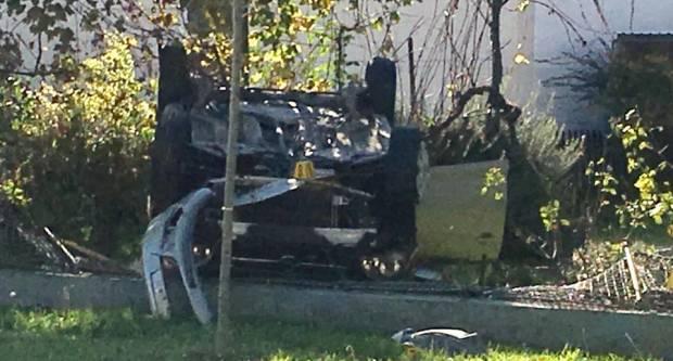 PROMETNA U VELIKOJ: Automobilom skoro uletio u obiteljsku kuću, odvezla ga Hitna pomoć