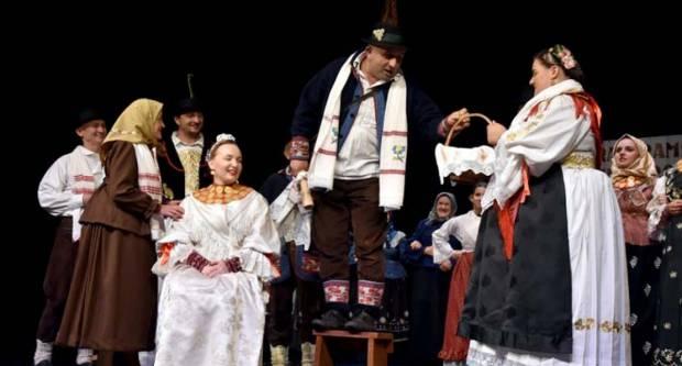 U požeškom kazalištu prikazani dramski pučki igrokazi