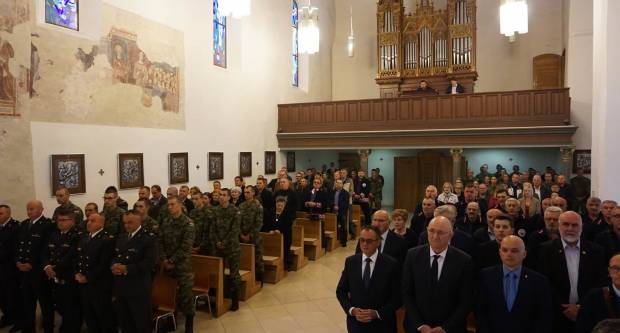 Biskup Antun Škvorčević predvodio misu za poginule i preminule branitelje 123. brigade HV Požega