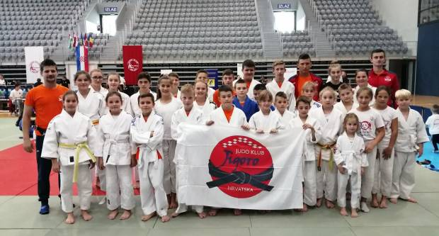 Judo klub ʺJigoroʺ osvojio 22 medalje s 30 predstavnika kluba