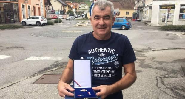 Predsjednica RH Požežanina Željka Matajića odlikovala Redom Danice