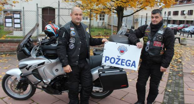 Požežani Sertić i Biondić krenuli prema Prevlaci kako bi sudjelovali u moto karavani za Vukovar