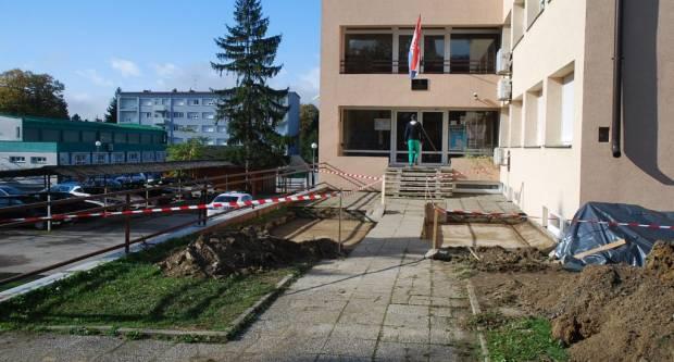Uređuje se prilaz Policijske postaje Pakrac