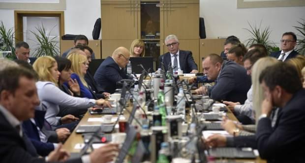 Stribor Valenta optužuje županiju da promovira ʺprofašističke dernekeʺ. ʺKako ʺPravašiʺ šute na takve riječi i omalovažavanje Hrvatske mladosti ʺpopijeneʺ na Bleiburgu?ʺ