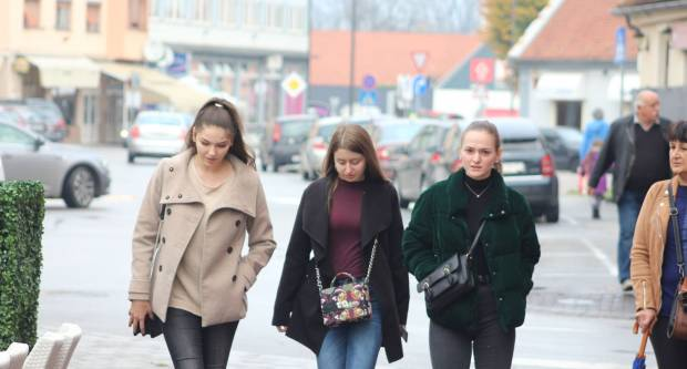 Kišna i tmurna šetnja Požegom 16.11.2019.
