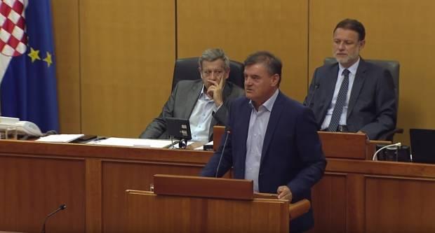 Godinama saborski fikus Vlaović se sad sjetio ustati za Slavoniju ili je samo u bitci za fotelju???!