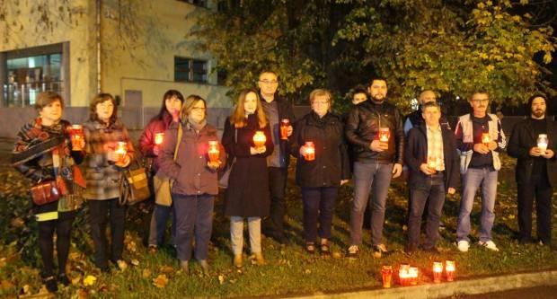 Članovi SDP-a upalili su lampione u znak sjećanja na žrtvu Vukovara