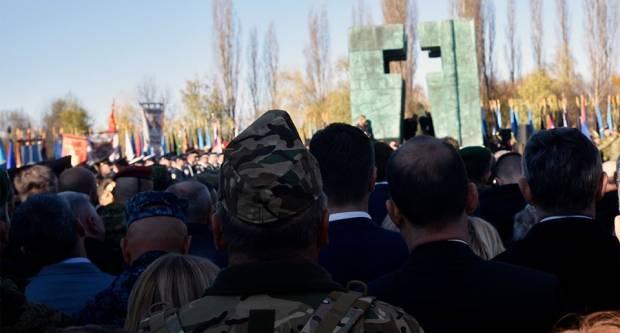 Građani Slavonskog Broda odali počast žrtvama Vukovara u Sl. Brodu, a izaslanstvo naše županije u Vukovaru