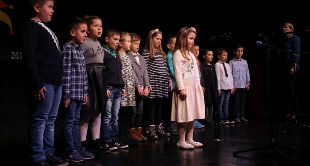 OŠ Antuna Kanižlića predstavila izložbu Prava djeteta i pripremila priredbu povodom Dana škole