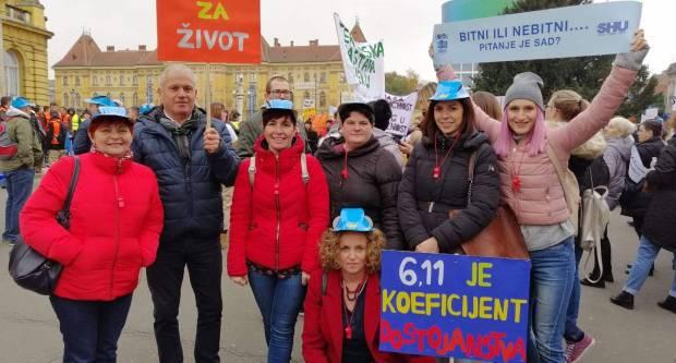 U Zagrebu veliki broj učitelja sudjeluje u prosvjedu ʺHrvatska mora boljeʺ, a među njima su i učitelji iz naše županije
