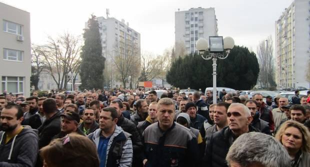 Radnici ponovno na ulicama: ʺMi odustati nećemo, sve nas mogu pozatvaratiʺ