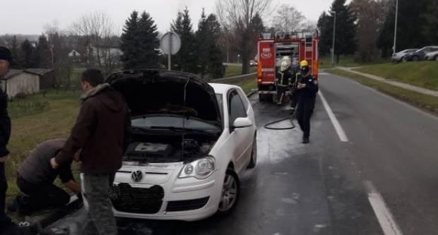 U Požegi se danas, tijekom vožnje, zapalio automobil