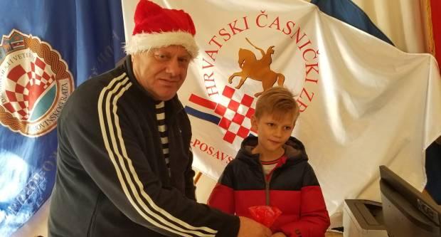 Djeca Hrvatskog časničkog zbora dobila darove povodom Svetog Nikole