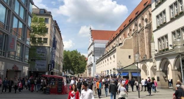 Kolike su stvarno visoke plaće u Njemačkoj  i koja su najlošije plaćena zanimanja?!