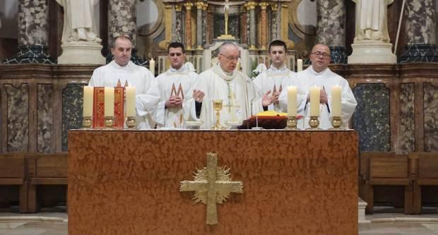 Biskup Škvorčević povodom spomendana sv.Nikole s djecom u razvojnim poteškoćama