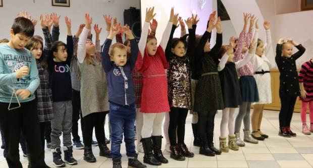 Povodom sv. Nikole, najmlađi učenici iz Pakraca održali koncert