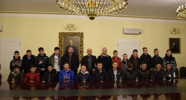 Gradonačelnik ugostio starije pionire NK Slavonije koji su napravili odličan rezultat na natjecanju Kvalitetne lige mladeži u Osijeku