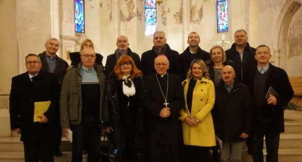 Članovi Udruge hrvatskih srednjoškolskih ravnatelja pohodili biskupa Škvorčevića