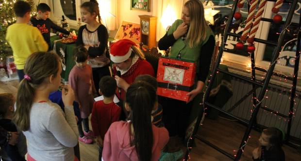 Baka Mraz i ove godine otvorila je vrata svoje kuće dobroj djeci