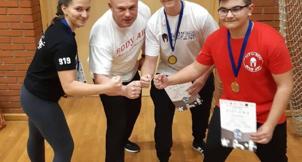 Mladi powerlifteri iz  Body Art-a osvojili medalje na natjecanju u Zagrebu