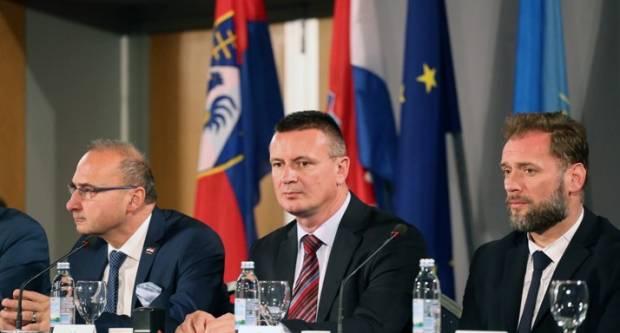 Sporazumi o preuzimanju poslova državne uprave potpisani u Koprivnici