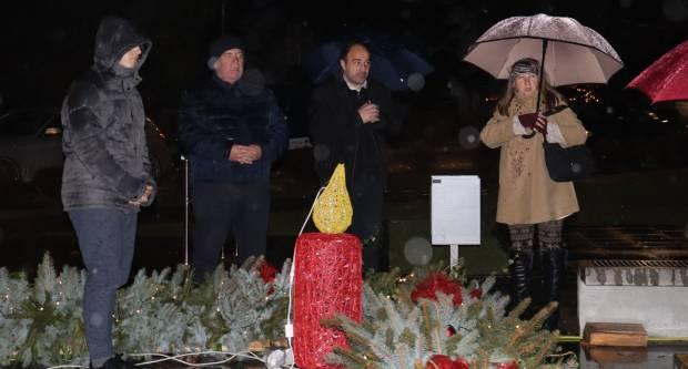 Zapaljena četvrta adventska svijeća u Lipiku