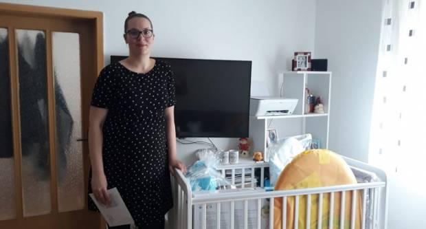 Oprema za bebe stigla u još pet brodskih obitelji