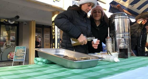 Badnjak je, na Korzu tradicionalni doručak