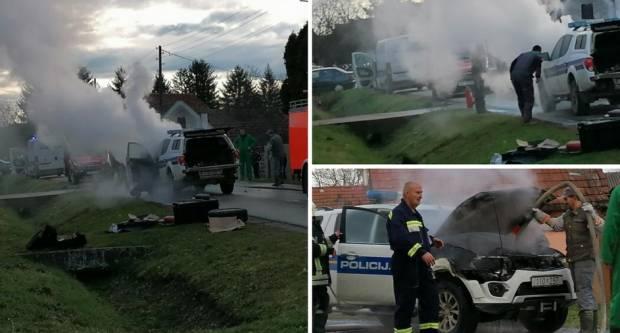 Policajci kod Nove Gradiške jurili po migrante pa im se usred vožnje zapalio auto
