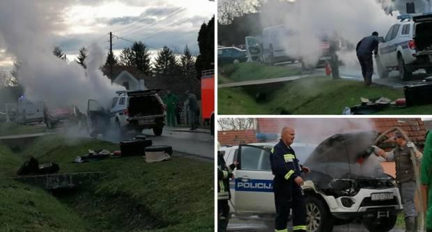 Policajci jurili po migrante pa im se zapalilo vozilo