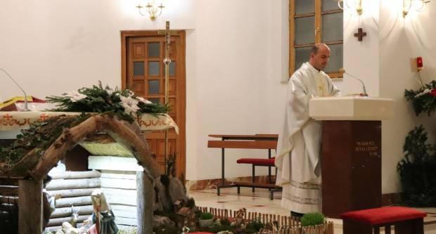 Lipički župnik vlč. Roko Ivanović predvodio svetu misu polnoćku u Lipiku