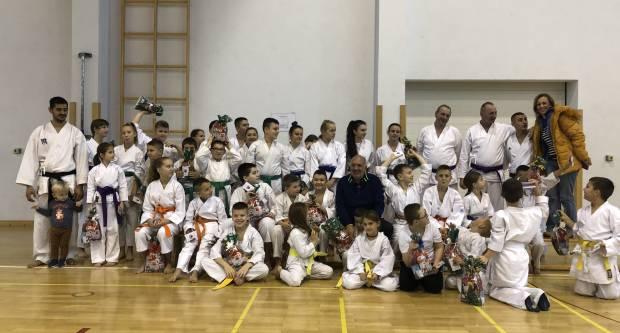 Karate do kluba Požega održao seminar i polaganje za pojaseve